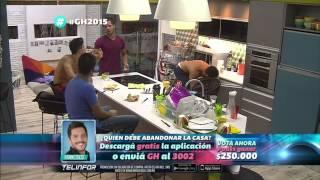 ESCENAS GAY, CONFESIONES DE MARIANO Y JODA A ELOY EN LA COCINA DE GH2015