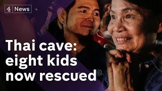 Thai cave rescue: 8 kids saved - their football team react