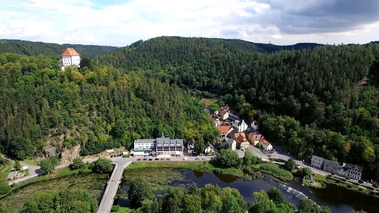 Hotel am Schlossberg Ziegenrück 2016 - YouTube