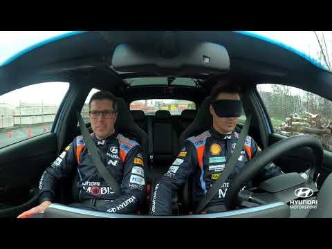 El reto de conducir a ciegas de Dani Sordo