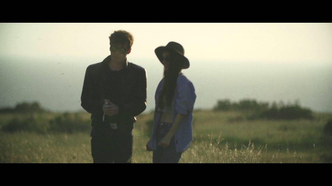 Download The Black Skirts (검정치마) - Hollywood [MV] 2015