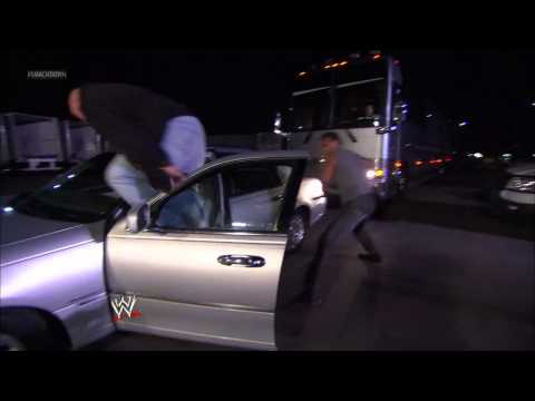 Alberto Del Rio unleashes a major assault on Big Show in parking lot: SmackDown, Feb. 1, 2013
