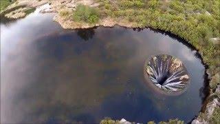 le trou qui avalait l'eau du lac…