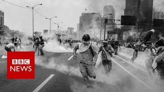 On the front line of Caracas protests   BBC News