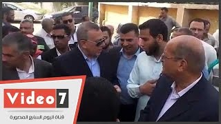 محافظ الجيزة يستمع لشكاوى أهالى سكان قرية أبو غالب من الصرف الصحى
