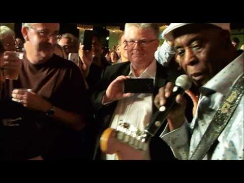 Buddy Guy walkabout - Hammersmith Apollo, London 13/07/2017