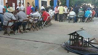 Video Elección Extraordinaria en Xadani, Oaxaca download MP3, 3GP, MP4, WEBM, AVI, FLV November 2017