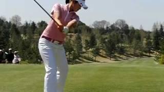 ゴルフ 諸見里しのぶの素敵なスイング スローモーション thumbnail