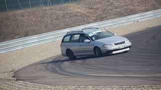 Opel Omega Station Wagon Drifting Breaking Tyre