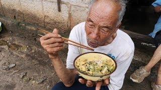 老頑童在朋友家一頓吃了兩大碗,原來是有好東西!【盧保貴視覺影像】