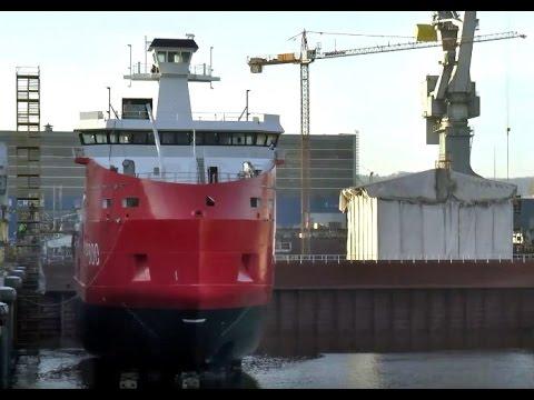 Wodowanie statku L'Astrolabe w stoczni Crist