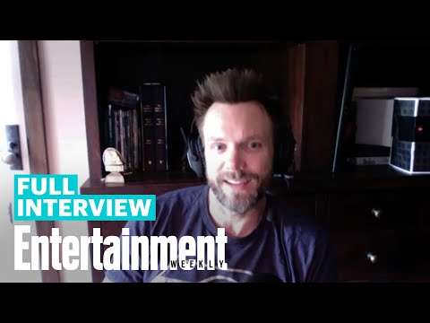 Joel McHale On 'Community' Season 1 | EW's Binge | Entertainment Weekly