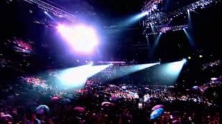 Rihanna - umbrella [live manchester ...