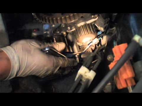Kia Soul Commercial 2010 - Tutorial: Change your timing belt and water pump on a 2002 Honda Accord