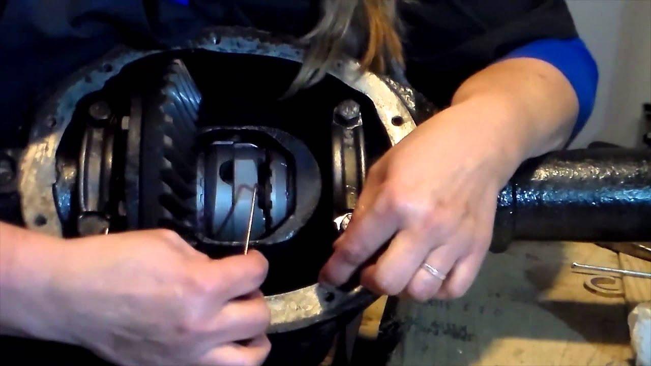 Aussie Locker Install - YouTube