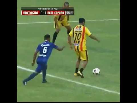 Ronaldinho amazing control ball during a friendly in Honduras