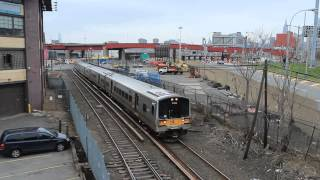 LIRR Ronkonkoma Line: M7 Train in Long Island City (Above View)