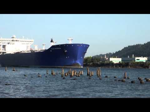 Loud Horn Oil Tanker Polar Enterprise Out: 7-15-14