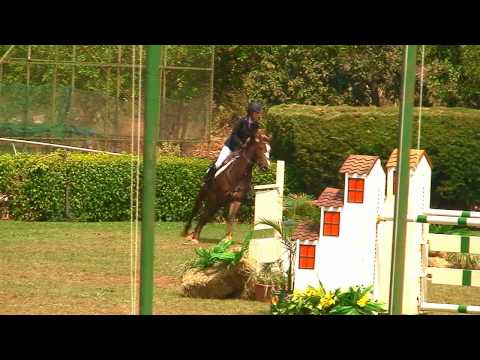 Flavia Rocha Mello de Azevedo com Frederika: campeã brasileira amador 2011 - Horse Show Brasil