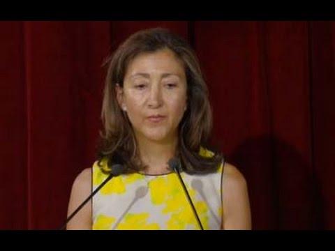 Ingrid Betancourt à l'exposition sur le massacre des prisonniers politiques en Iran
