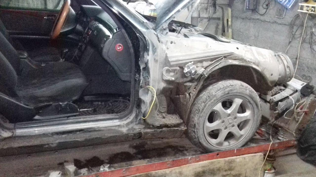 Mercedes -Bens E 280.Частичный кузовной ремонт авто после ДТП.