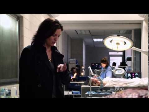 Forever 1x01 Henry Morgan Meets Detective Jo Martinez