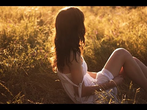 Belle Musique D'Amour Triste Au Piano - Sad Love Piano Music