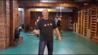 видео Филиппинское фехтование на ножах и тростях