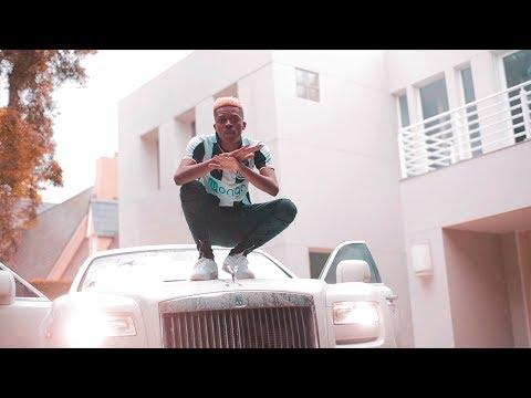 Momo - C'est La Vie (Official Music Video)