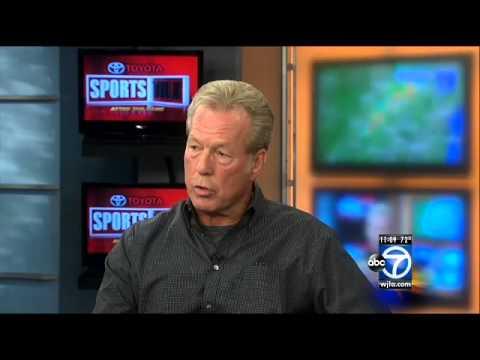 Former Redskin Mark Moseley defends team name