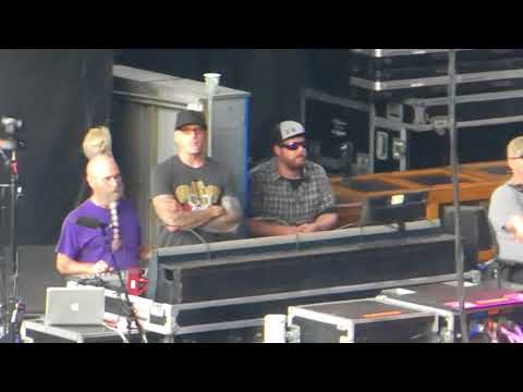 Dead And Company – Dancing In The Streets (Shoreline Amphitheater, Mountain View CA 7/2/18)