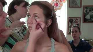 Графичный макияж в зеленых тонах. Курсы визажистов в Профессионал Плюс Омск(Графичный макияж в зеленой гамме. Мастер-класс в УЦ