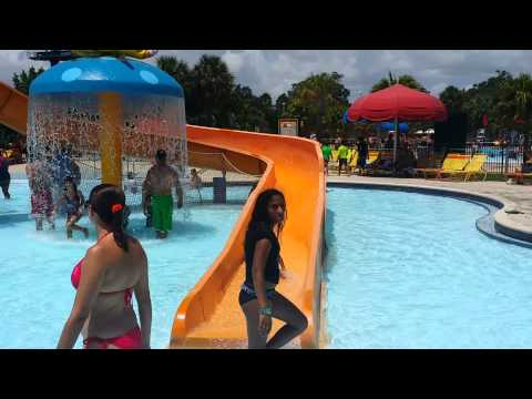 Family day at Grapeland water park(2)