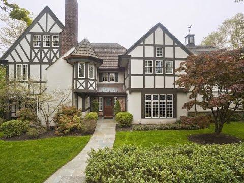 Charming Family Home in Douglaston, New York