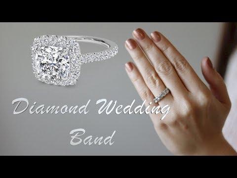 My diamond wedding band. https://pixlypro.com/e9nRpZH