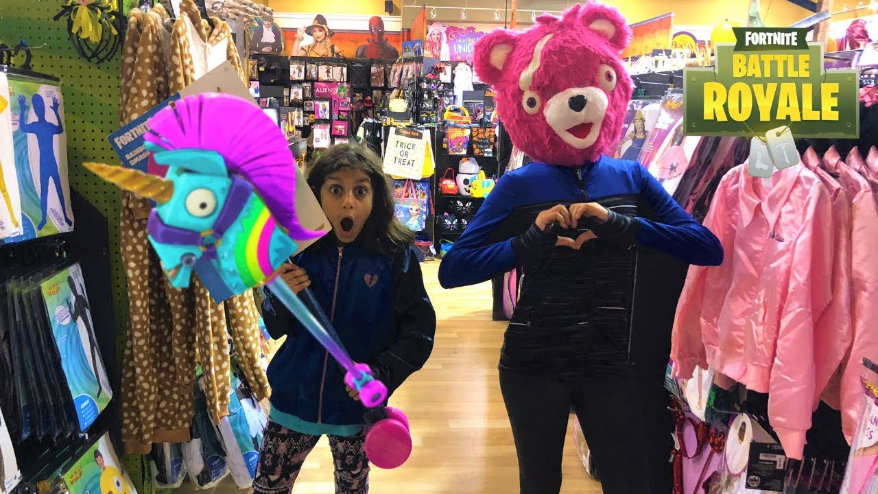 Kids Pretend Play Shopping for FORTNITE COSTUMES in real life!!!