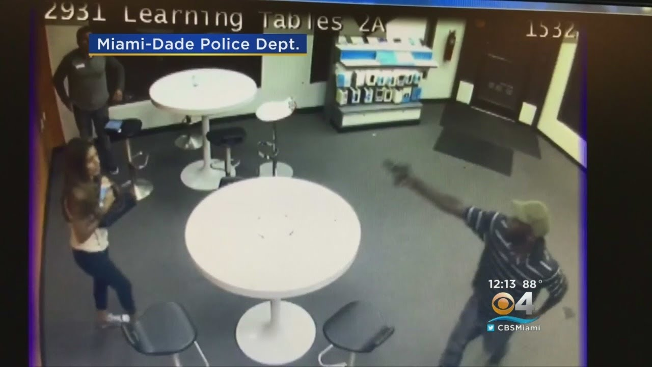 At T Store Robbery Caught On Camera Youtube
