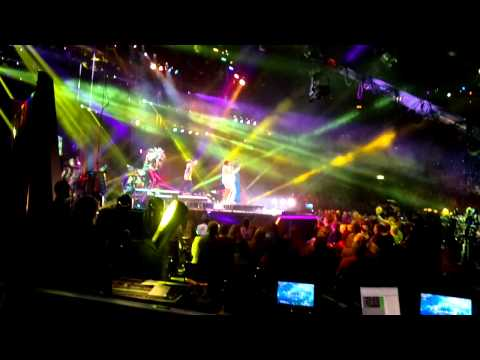 Dr. Alban & Jessica Folcker - Around the World (Live from Scandinavium, Gothenburg)