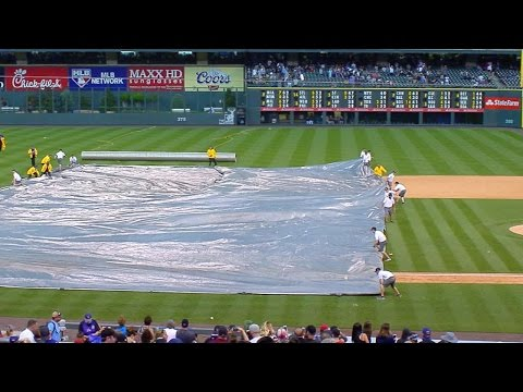 ARI@COL: Rain causes delay at Coors Field