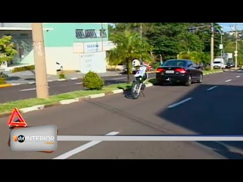 Mulher é atropelada em avenida de Presidente Prudente
