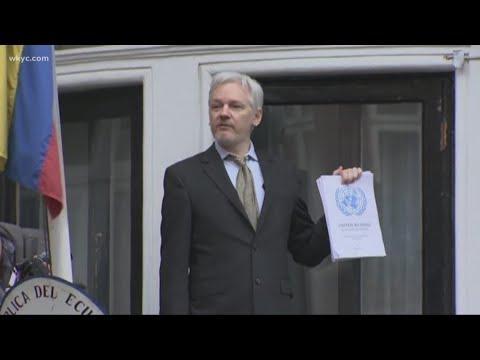 wikileaks founder dating
