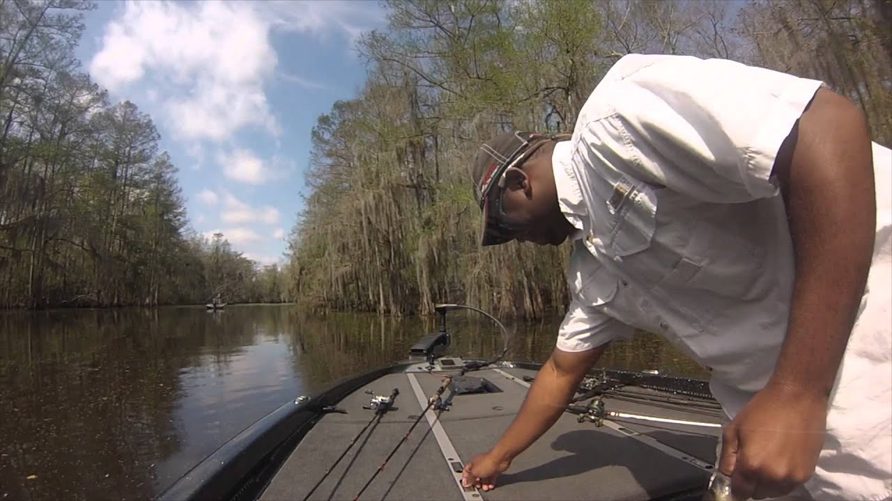 Lake verret bass sac a lait fishing youtube for Louisiana bass fishing reports