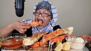GIANT PRAWN SHRIMP & KING CRAB SEAFOOD BOIL MUKBANG!!!! WITH GRANDMA HAZEL