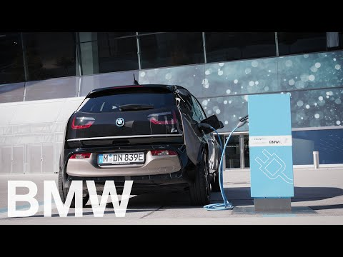 How to charge your BMW at a public charging point – BMW How-To