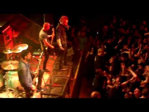 A Skylit Drive-Rise (Live)