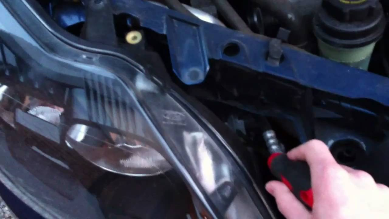 Removing Uk Ford Focus Headlamp Assembly 2008 Onwards