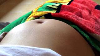 Repeat youtube video Baby dances inside mother's pregnant belly