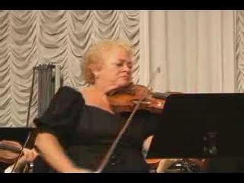Dora Schwarzberg plays Elgar Violin Concerto Op.61 1-1