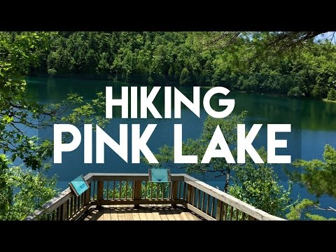 HIKING IN PINK LAKE // QUEBEC, CANADA // MY TRAVEL TOUR GUIDE