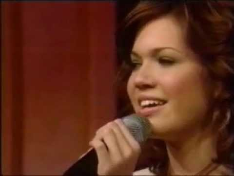Mandy Moore - Cry (Live @ Regis and Kelly 20020211)